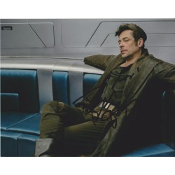 Benicio Del Toro AUTOGRAPH Star Wars The Last Jedi SIGNED IN PERSON 10x8 Photo
