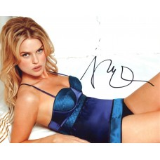 Alice Eve AUTOGRAPH Posed SIGNED IN PERSON 10x8 Photo